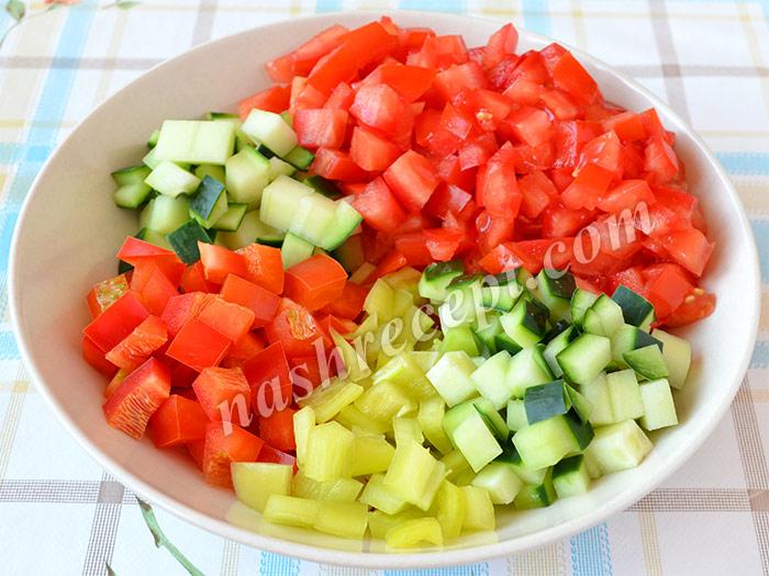 нарезанные овощи для гаспачо - narezannye ovoschi dlya gaspacho