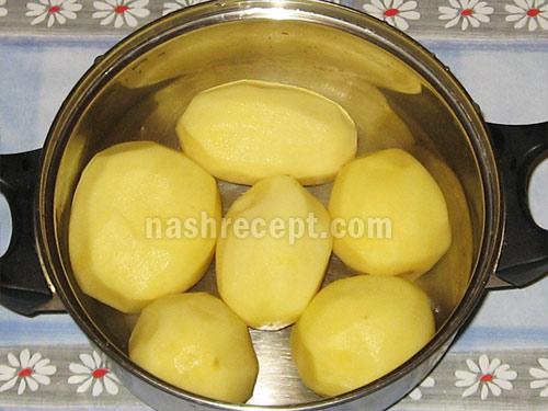 чистим картофель для галушек - chistim kartofel dlya galushek