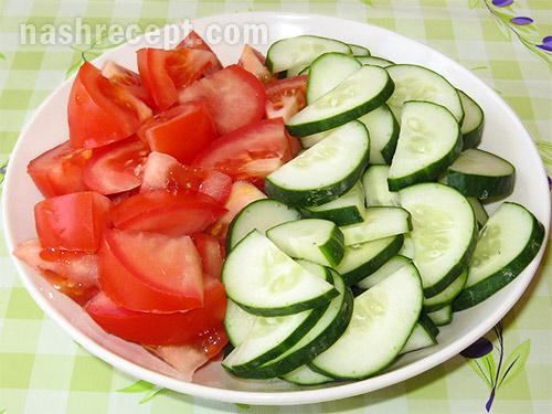 огурцы и помидоры для греческого салата - ogurtsy i pomidory dlya grecheskogo salata