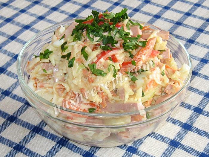 салат из кольраби с колбасой - salat iz kolrabi s kolbasoy
