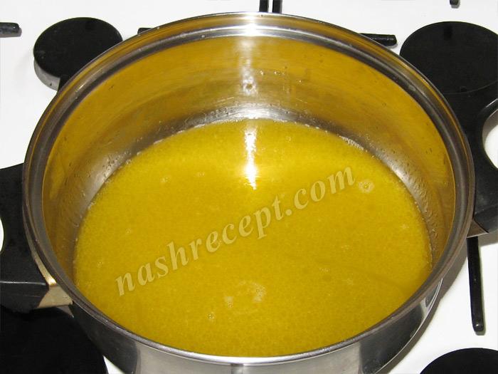 вливаем воду в маргарин - vlivaem vodu v margarin