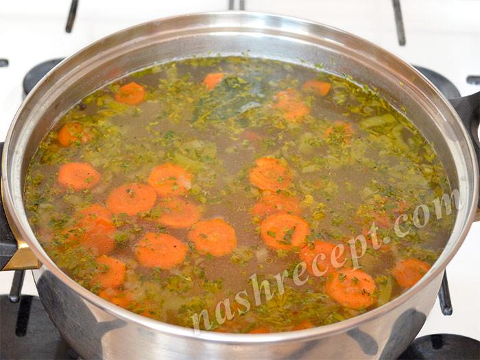 добавляем в перловый суп овощи и зелень - dobavlyaem v perlovyi sup ovoschi i zelen