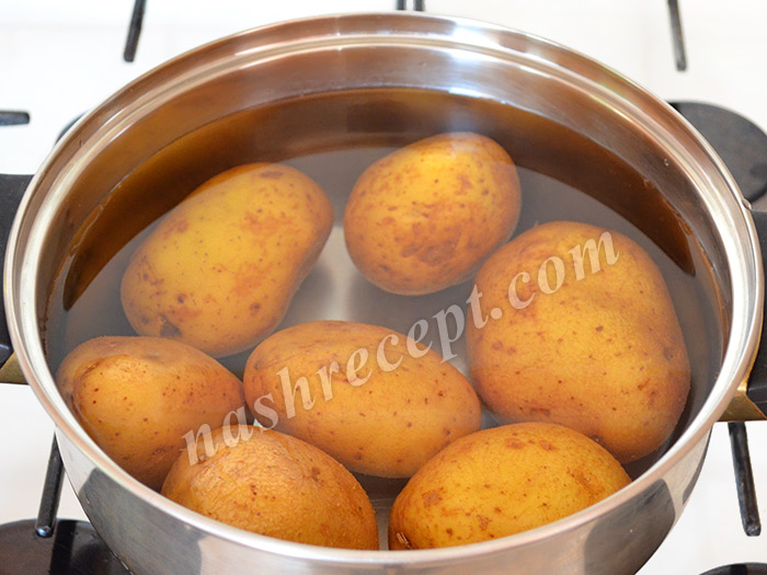 картошку заливаем водой - kartoshku zalivaem vodoy