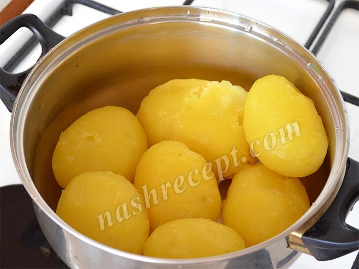 очищенный вареный картофель - ochischenyi varyonyi kartofel
