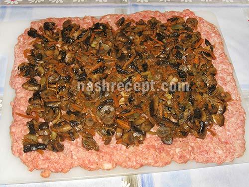 мясной рулет слой грибов - myasnoy rulet sloy gribov