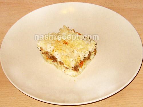 запеканка с рисом и мясом в разрезе - zapekanka s risom i myasom v razreze