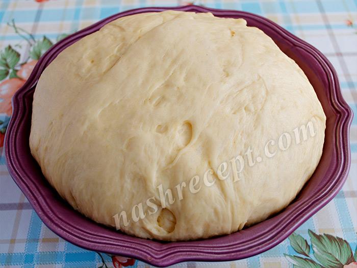 сдобное дрожжевое тесто для рулета с орехами - sdobnoe drozhzhevoe testo dlya ruleta s orehami