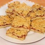 «Тертый» песочный пирог с вареньем