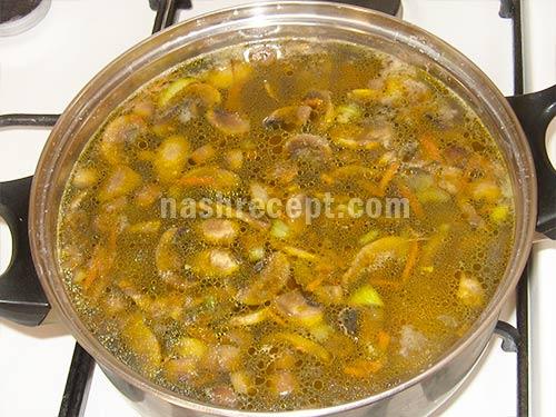 варим суп с грибами и перловкой - varim sup s gribami i perlovoy krupoy