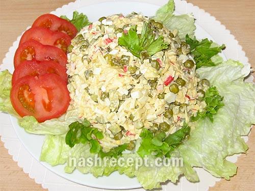 вкусный салат с крабовыми палочками и яблоками - vkusnyi salat s krabovymi palochkami i yablokami