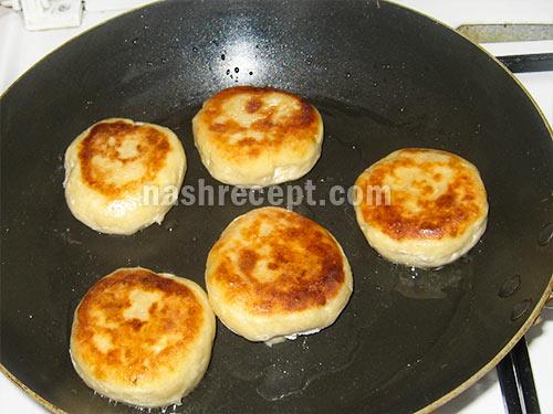 жарим сырники - zharim syrniki