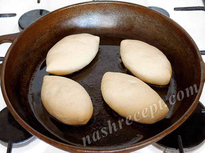 жарим пирожки с картошкой - zharim pirozhki s kartoshkoy