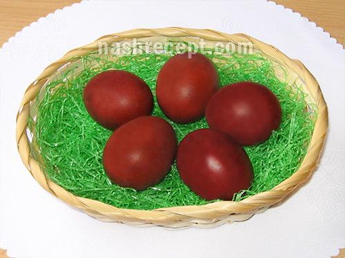 красим яйца в шелухе обычного и синего лука - krasim yaytsa v sheluhe obychnogo i sinego luka