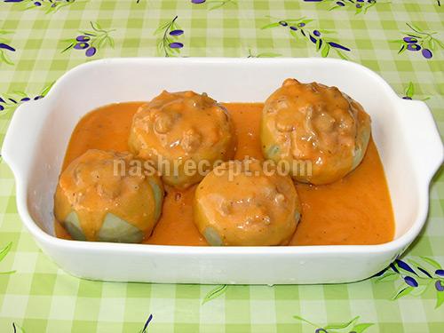 поливаем кольраби томатным соусом - polivaem kolrabi tomatnym sousom