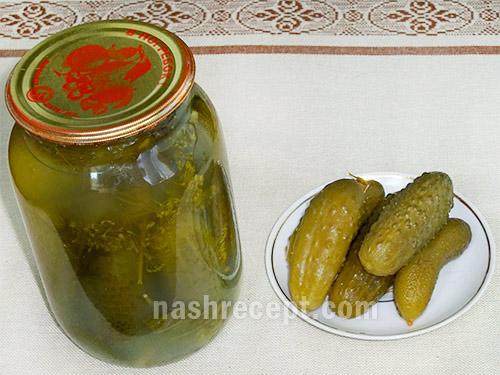 соленые огурцы консервированные - solenye ogurtsy konservirovannye