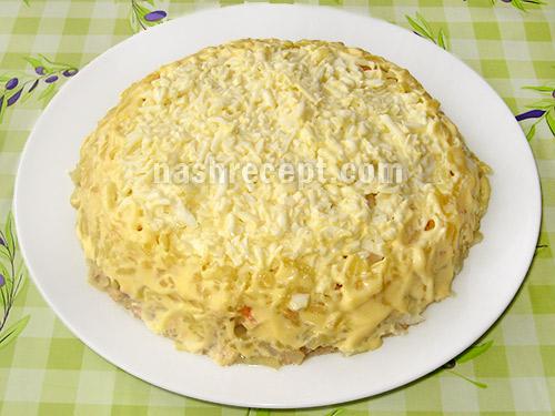 vykladyvaem belki dlya salata - выкладываем белки для салата