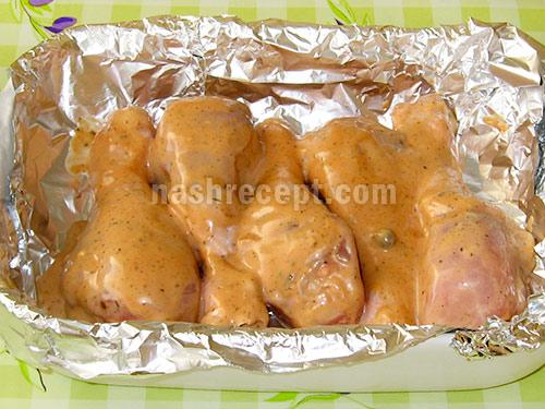 куриные голени с соусом заворачиваем в фольгу - kurinye goleni s sousom zavorachivaem v folgu