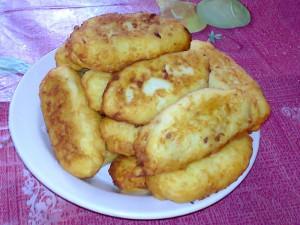 Пирожки из картофельного теста с мясом