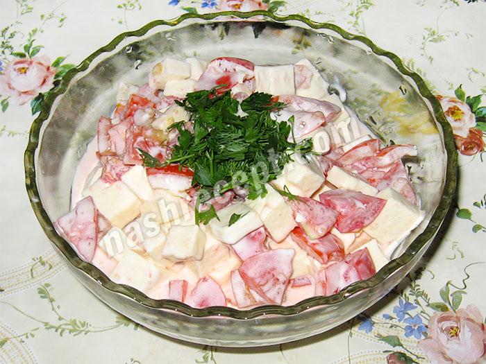 вкусный салат с брынзой и помидорами - vkusnyi salat s brynzoy i pomidorami