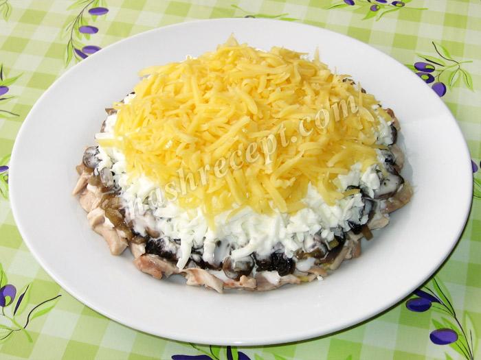"""салат """"Подсолнух"""": слой тертого сыра - salat podsolnuh: sloy tertogo syra"""