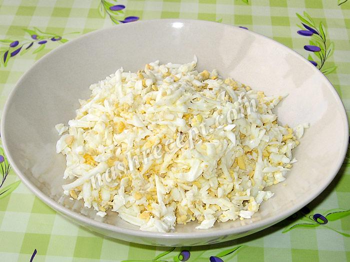 яйца для салата змейка - yaytsa dlya salata zmeyka