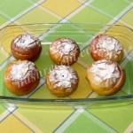 Печеные яблоки с сахаром