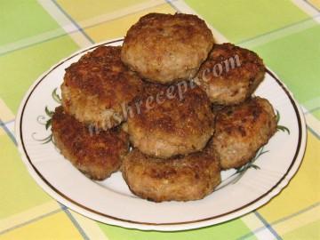мясные котлеты с овсяными хлопьями - myasnye kotlety s ovsyanymi hlopyami