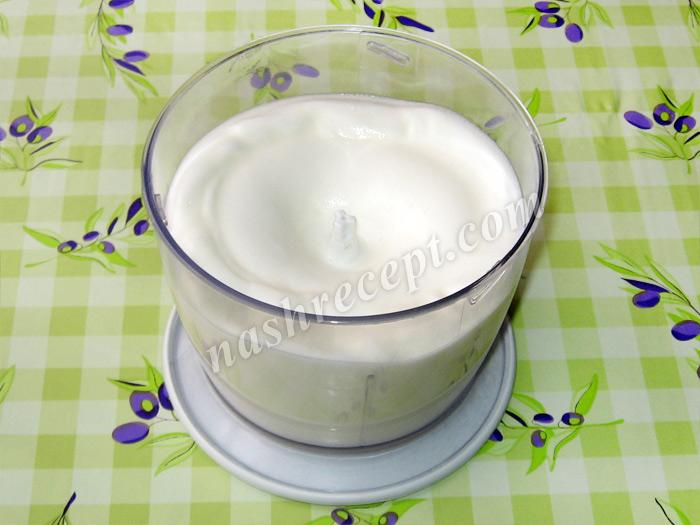 взбитые белки для торта Захер - vzbitye belki dlya torta Sacher