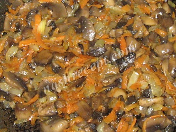 грибы с луком и морковью для рисового супа - griby s lukom i morkovyu dlya risovogo supa