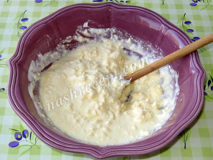 """смешиваем маргарин со сметаной для торта """"Муравейник"""" - smeshivaem margarin so smetanoy dlya torta """"Muraveynik"""""""
