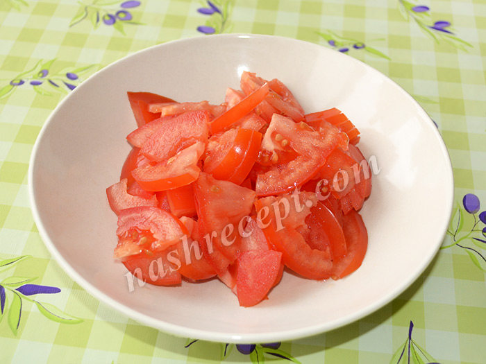 помидоры для болгарского (шопского) салата - pomidory dlya bolgarskogo (shopskogo) salata
