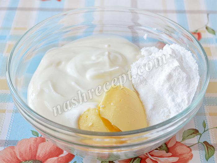масло, сметана и сахарная пудра для творожной пасхи с миндалем - maslo, smetana i saharnaya pudra dlya tvorozhnoy paskhi s mindalem