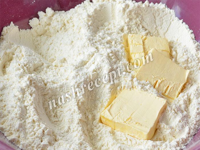 круассаны с шоколадом: добавляем к муке масло - kruassany s shokoladom: dobavlyaem k muke maslo