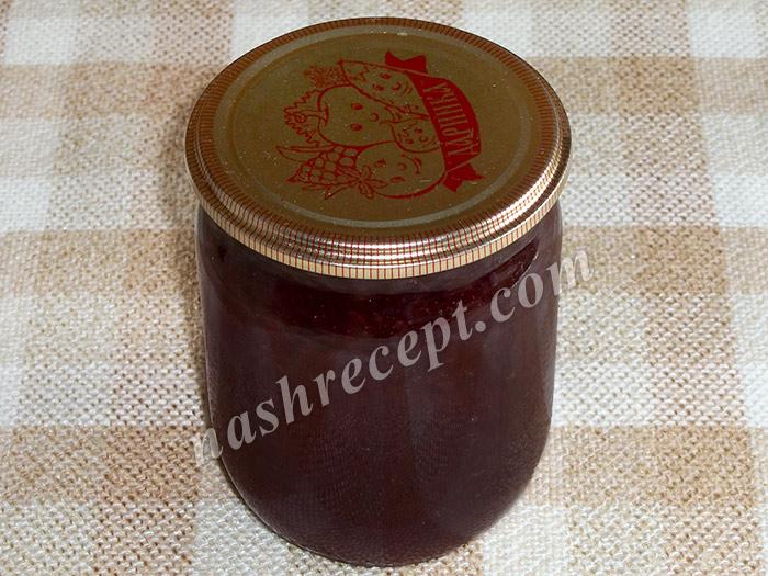 закатываем варенье из черной смородины - zakatyvaem varenye iz chernoy smorodiny