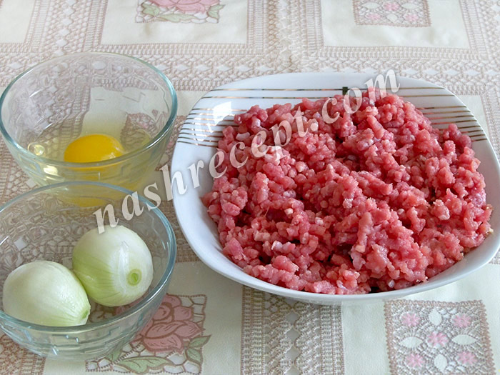 мясной фарш, лук и яйцо - myasnoy farsh, luk i yaytso
