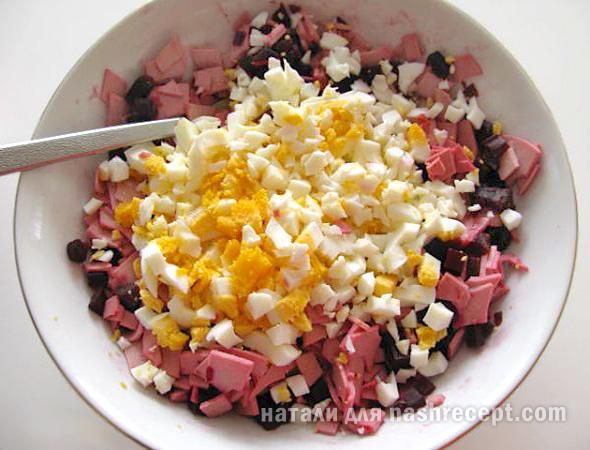 яйца для свекольного салата - yaytsa dlya svekolnogo salata