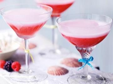 коктейль с шампанским, малиной и ежевикой - kokteyl s shampanskim, malinoy i ezhevikoy