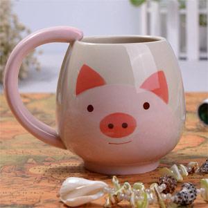 подарки к Новому году: чашка в виде свиньи