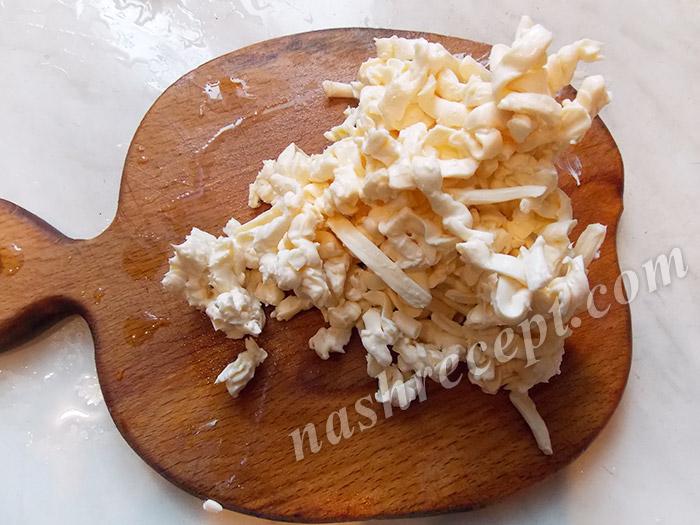 тертый плавленный сыр - tertyi plavlennyi syr