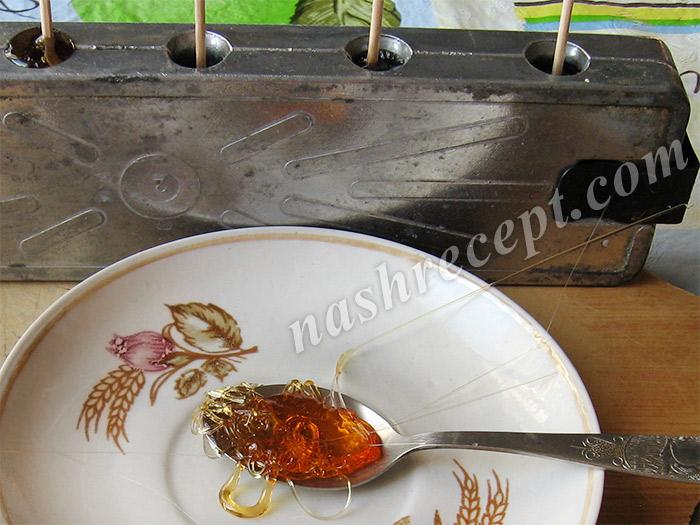 стекленеющая нить сиропа - steklenejuschaya nit siropa