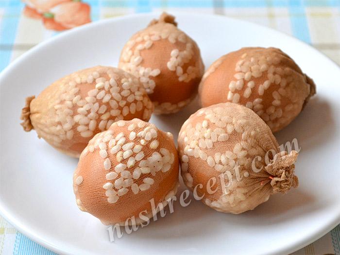 яйца с рисом для крашенок в крапинку