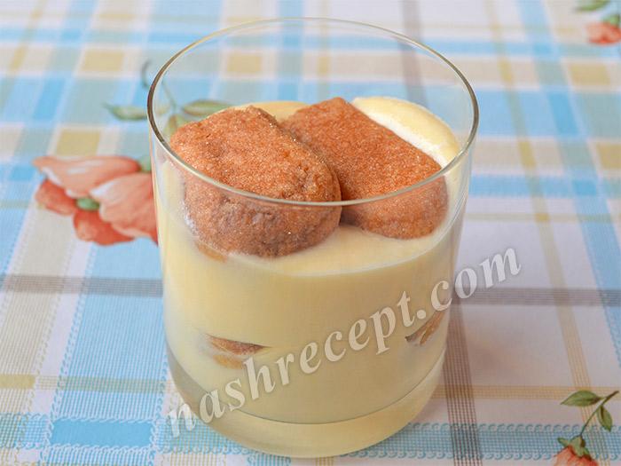 тирамису в стакане: 2 слой крема и печенье