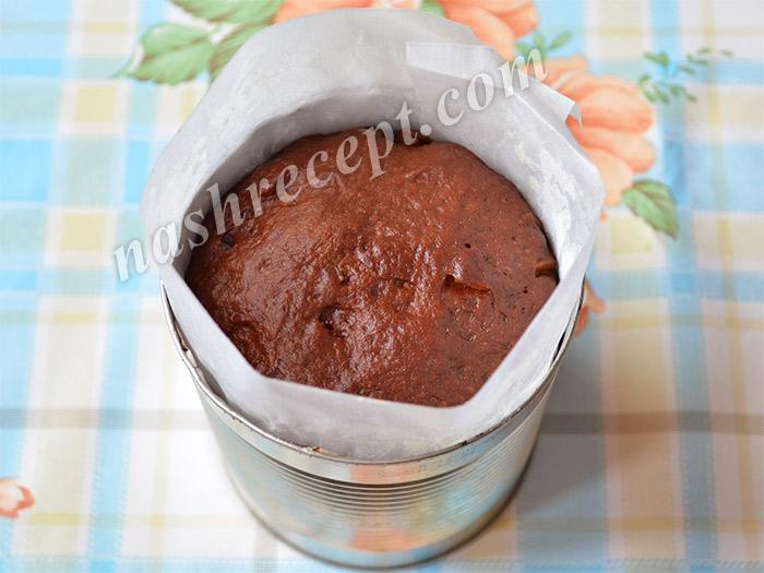 тесто для шоколадных куличей подошло в форме